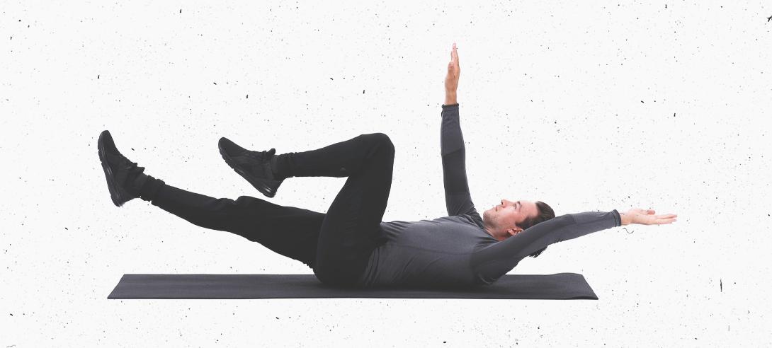Мертвый жук - базовое упражнение для пресса