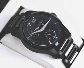 Часы в подарок: 5 оригинальных моделей на любой вкус