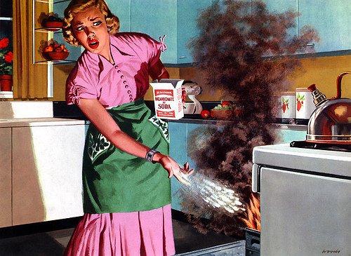 девушка плохо готовит